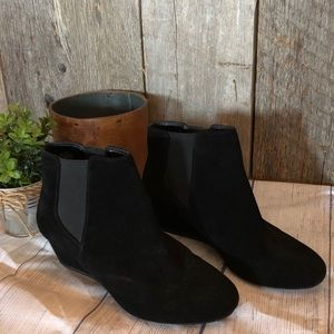 ❤️ Nine West wedge booties